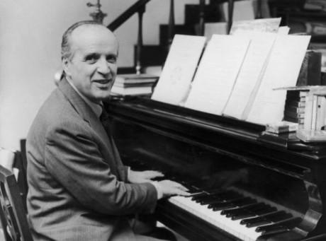 Morre o compositor Nino Rota