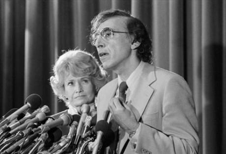 Margareth Heckler e o Dr. Robert Gallo