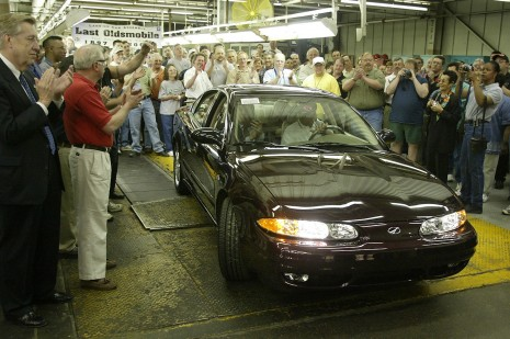 Oldsmobile encerra as atividades nos EUA