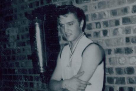 Elvis Presley é rejeitado em teste com banda de Memphis