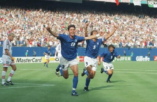 Em drama, Itália vence a primeira da Copa