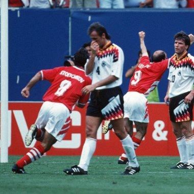 Letchkov comemora o gol da vitória