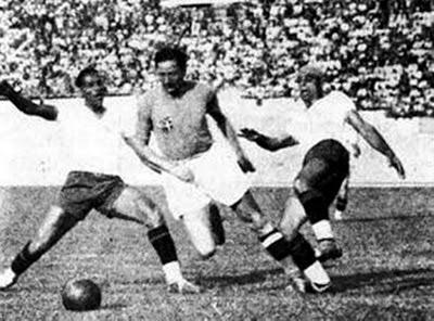 No primeiro duelo em Copas, em 1938, Itália 2 x 1 Brasil
