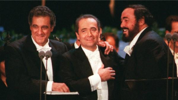 Na véspera da final, Três Tenores emocionam em LA