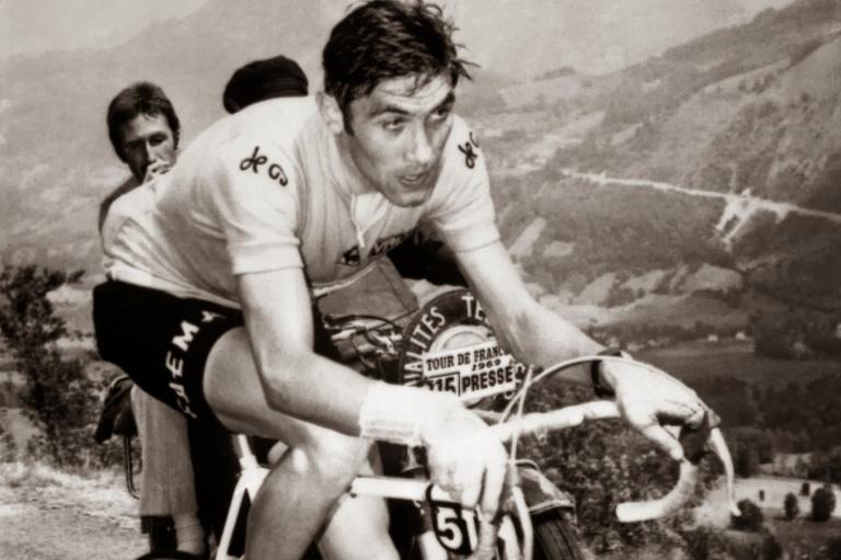 Eddy Merckx vence o Tour de France pela 1ª vez
