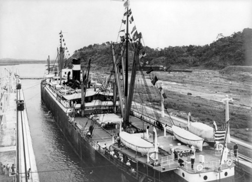 Canal do Panamá é inaugurado