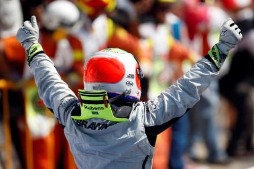 Rubens Barrichello conquista a 100ª vitória brasileira na F1