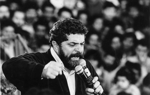 Collor cai 4 pontos, Lula sobe e chega em Brizola