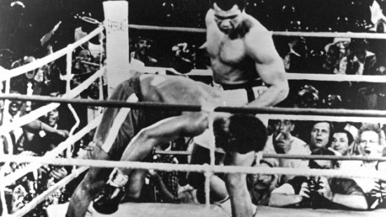 "Ali vence Foreman na ""Luta do Século"""