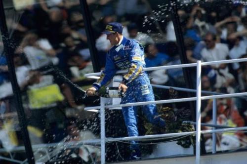 Michael Schumacher conquista o primeiro título na F1