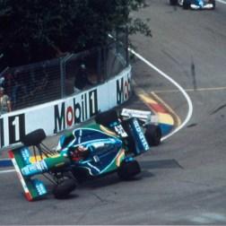 Schumacher em cima de Hill