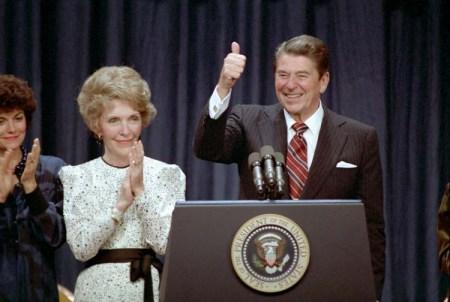 Ronald Reagan é reeleito presidente dos EUA