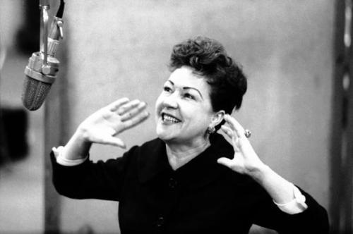 "Ethel Merman grava ""I Get a Kick Out of You"""