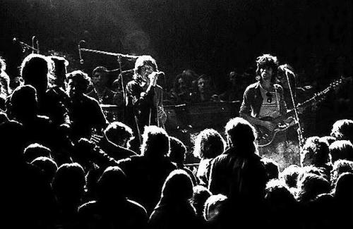 Quatro morrem durante show dos Stones no Altamont Festival