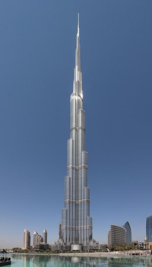 Edifício mais alto do mundo é inaugurado em Dubai