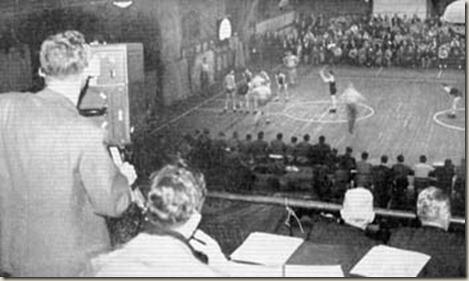 Jogo de basquete é televisionado pela primeira vez