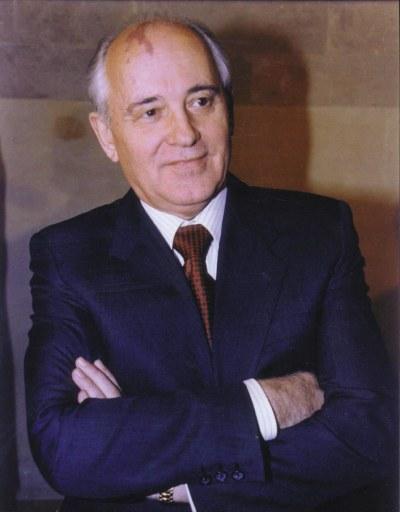 Gorbachev é escolhido o novo líder da União Soviética