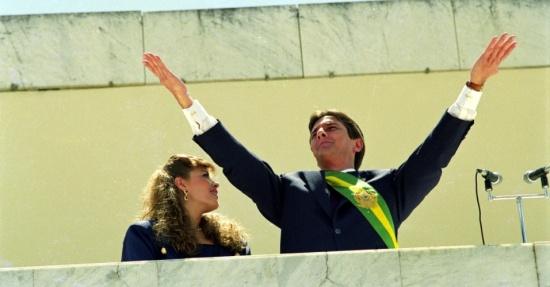 Fernando Collor toma posse como presidente do Brasil