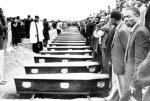 Funeral em massa, uma semana depois
