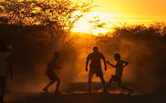 Nasce o futebol brasileiro