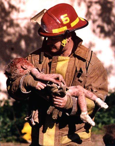 Atentado mata 168 pessoas em Oklahoma, nos EUA