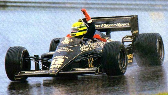 A primeira vitória de Senna na Fórmula 1