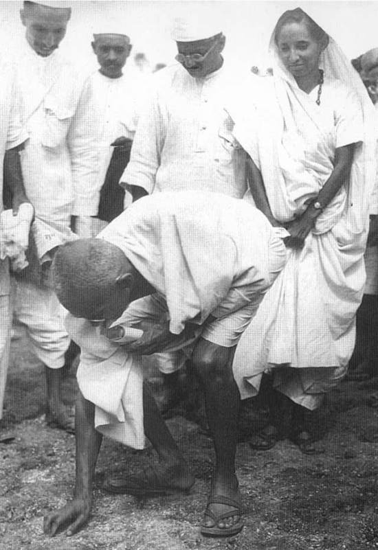 Gandhi finaliza a Marcha do Sal na Índia