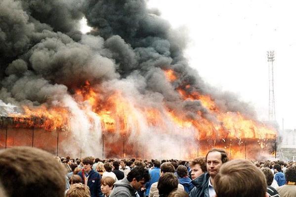 Incêndio no estádio do Bradford City mata 56 na Inglaterra