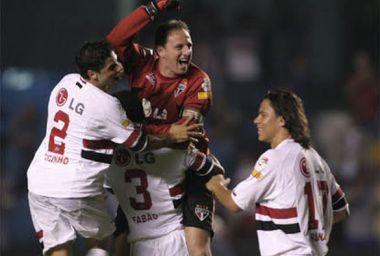 Rogério mata o Tigres