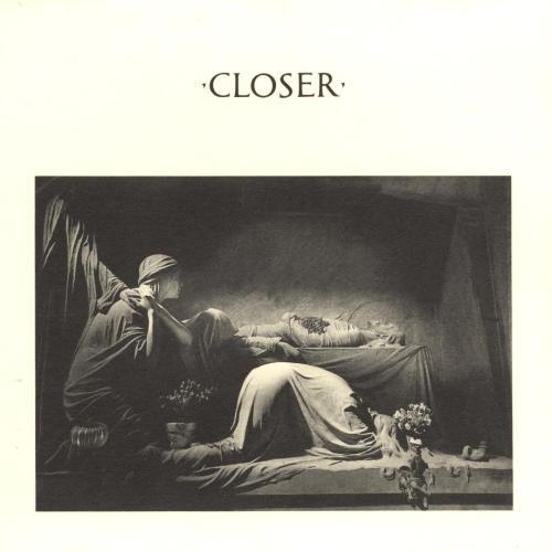 Joy Division lança Closer, segundo e último álbum