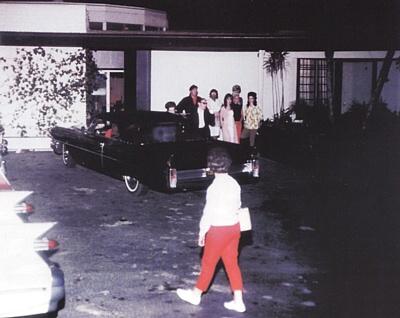 O único encontro entre os Beatles e Elvis Presley