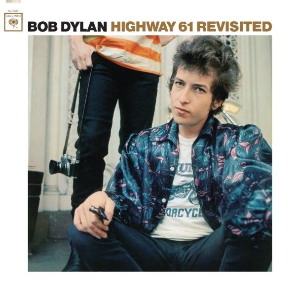 Bob Dylan lança Highway 61 Revisited, seu 6º album