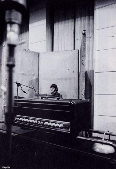 Ringo, em sessão de gravação do álbum