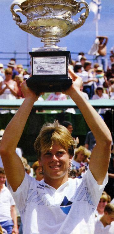 Stefan Edberg conquista primeiro Grand Slam da carreira