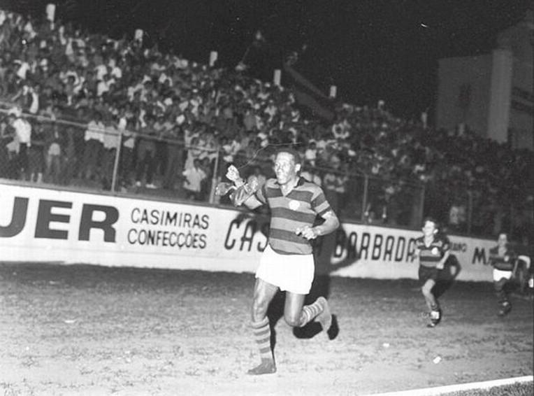 O futebol se despede de Djalma Santos