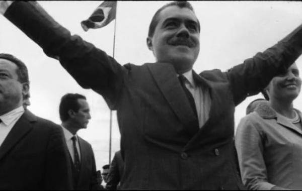 José Sarney toma posse como governador do Maranhão