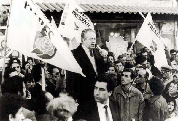 Mário Soares é eleito presidente de Portugal