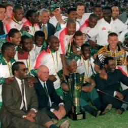O time, a taça, De Klerk e Mandela