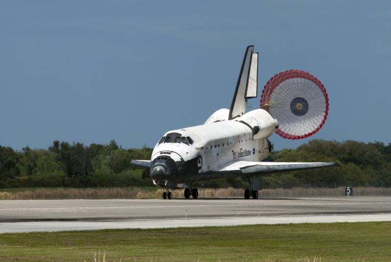 Ônibus Espacial Discovery finaliza a última missão