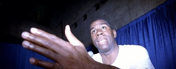 Magic Johnson anuncia a segunda aposentadoria