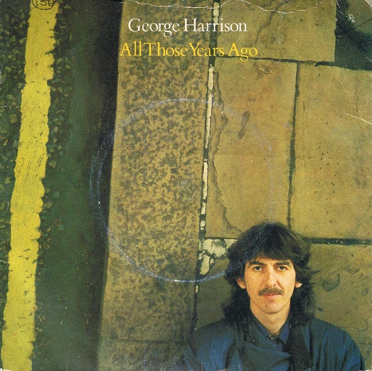 "George Harrison lança o single ""All Those Years Ago"" no Reino Unido"