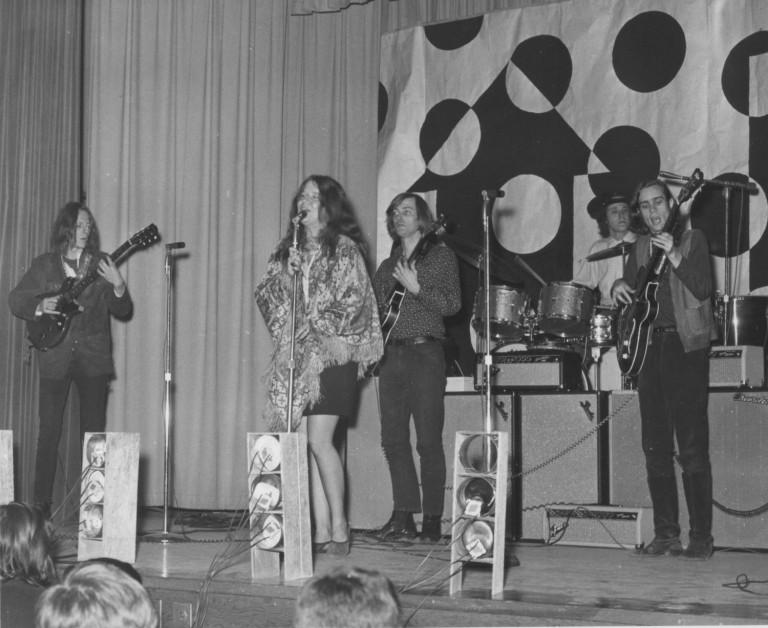 O primeiro show da carreira de Janis Joplin