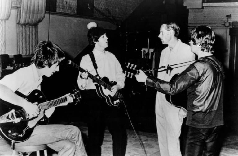 """Beatles iniciam gravação de """"Here, There and Everywhere"""""""