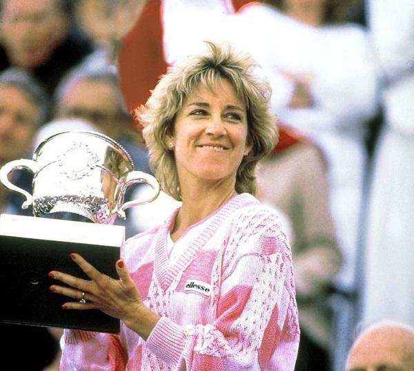 Chris Evert conquista o 7º e último título em Roland Garros