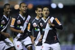 Éder Luis empatou em 2 a 2