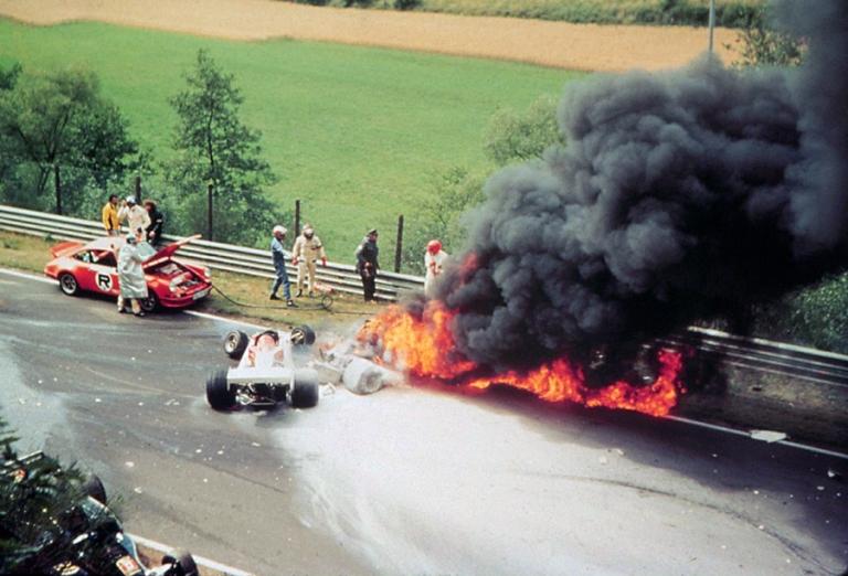 O terrível acidente de Niki Lauda em Nurburgring