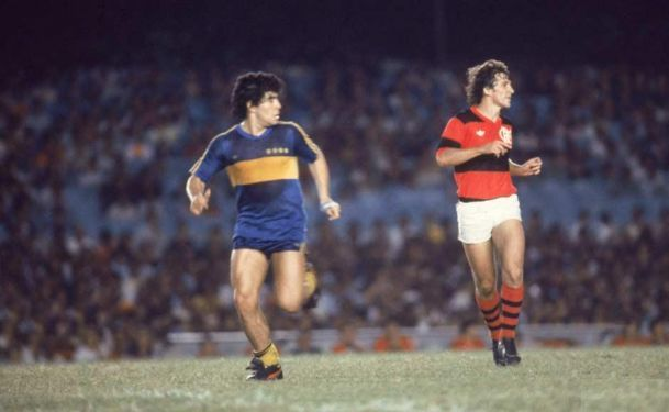 O encontro de Zico e Maradona no Maracanã