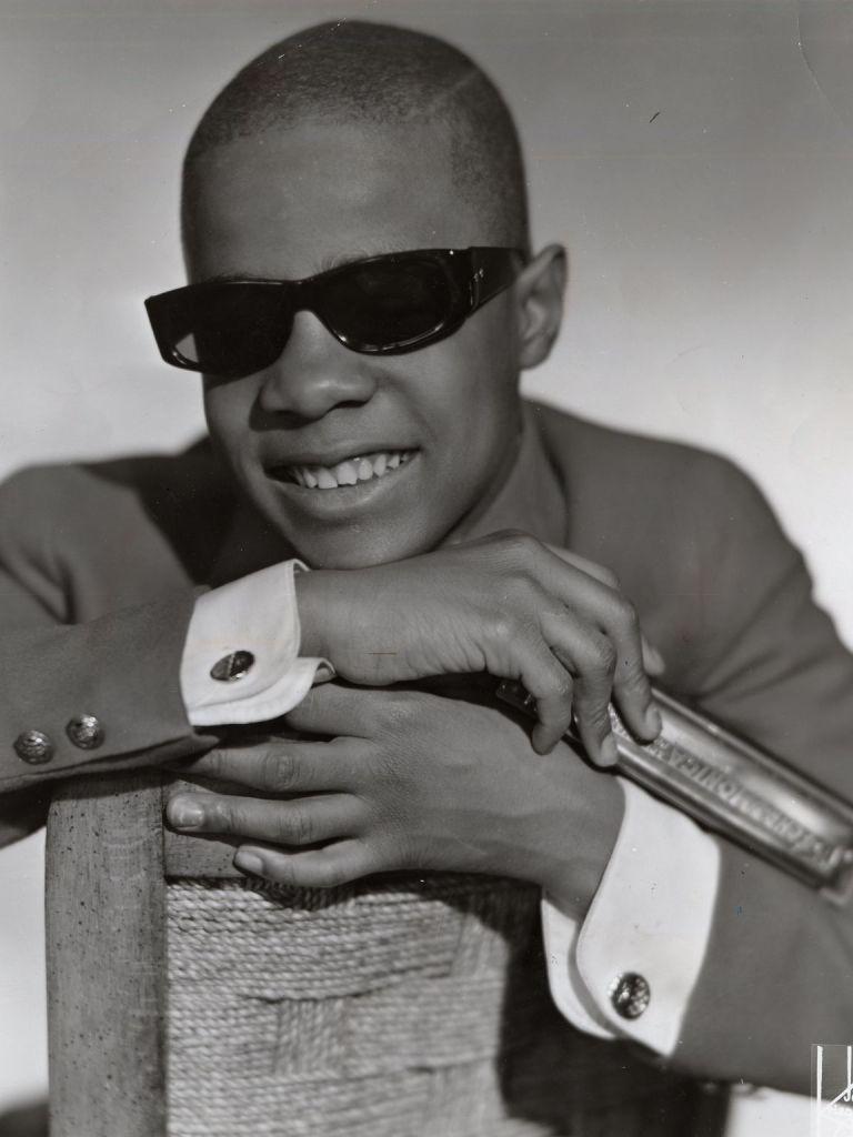 Aos 11 anos, Stevie Wonder é aprovado em audição na Motown