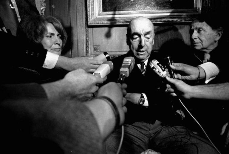 Pablo Neruda leva o Nobel de Literatura