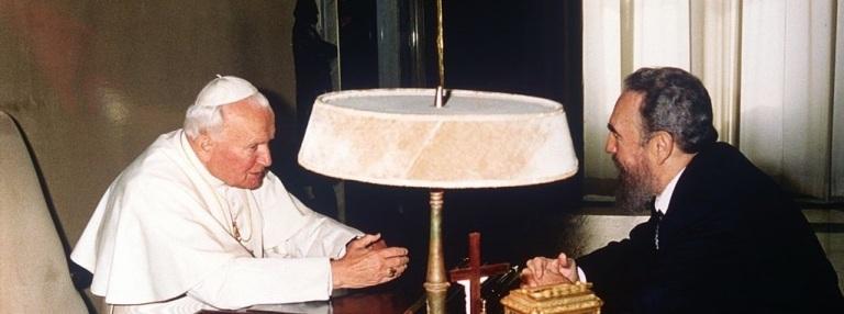 O encontro entre Fidel Castro e João Paulo II no Vaticano